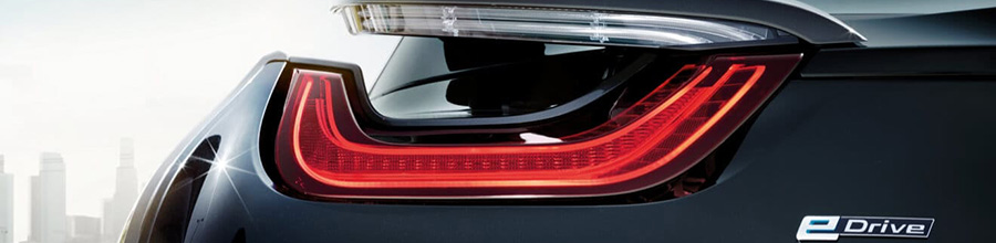 Back tail light of a black BMS i8